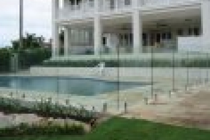 Fencing Companies Frameless glass 720 480